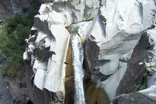 Randonnée Cascade de Bras Rouge Cilaos île de La Réunion.