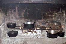 Cuisine au feu de bois.