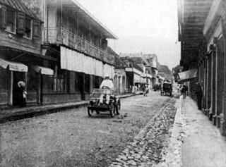 1900 première automobile à La Réunion