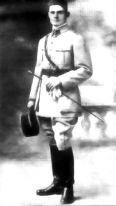 Lieutenant Emile Hugot commandant la batterie du Port