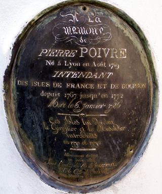 Plaque buste de Pierre Poivre Jardin de l'État Saint-Denis La Réunion