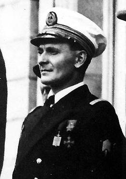 Jules Evenou commandant du contre-torpilleur Le Léopard en 1942