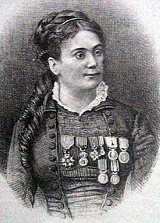 Juliette Dodu est décorée de la croix de la Légion d'Honneur en 1878