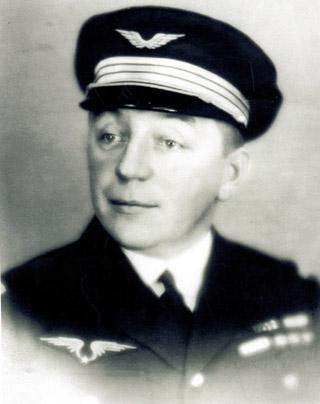 Marcel Goulette aviateur première liaison aérienne France-Réunion le 26 novembre 1929