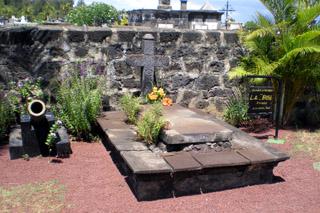 Tombe de La Buse cimetière marin de Saint-Paul