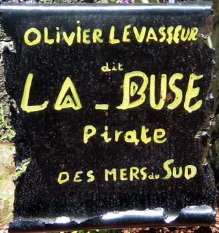 Épitaphe tombe de La Buse cimetière marin de Saint-Paul