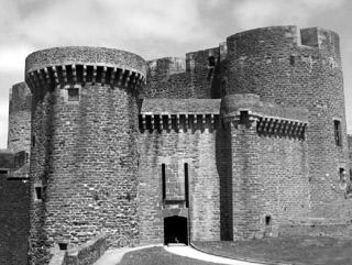 Drouillar reste 13 mois en prisons au château de Brest