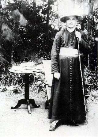 Monseigneur Frédéric Fuzet évêque de La Réunion