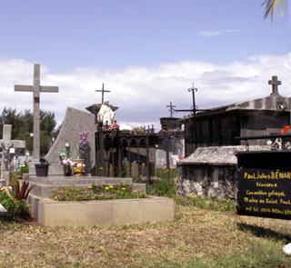 Tombe de Paul Bénard cimetière marin de Saint-Paul