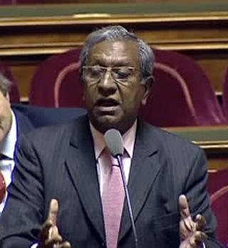 Jean Paul Virapoullé sénateur de La Réunion