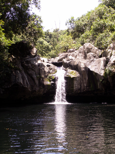 Bassin Grondin et sa cascade Sainte-Suzanne