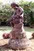 Fontaine centrale en fonte Maison Déramond