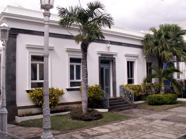 Aile droite Banque de La Réunion Saint-Denis