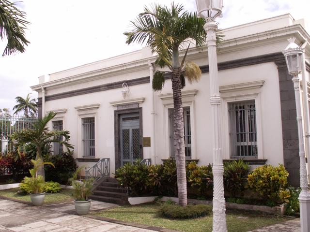 Aile gauche Banque de La Réunion Saint-Denis