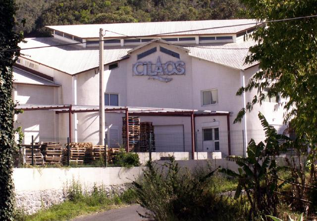 Cilaos : usine eau de Cilaos