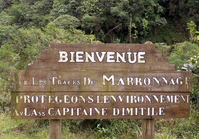 Dimitile à l'Entre-Deux île de La Réunion Signalisation