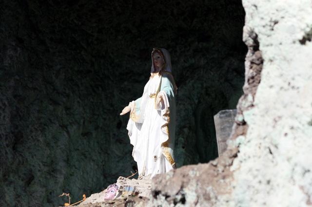 Sentier La Corde. Chapelle avec vierge