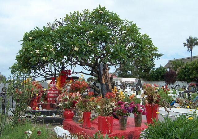 Tombe de Sitarane cimetière de Saint-Pierre