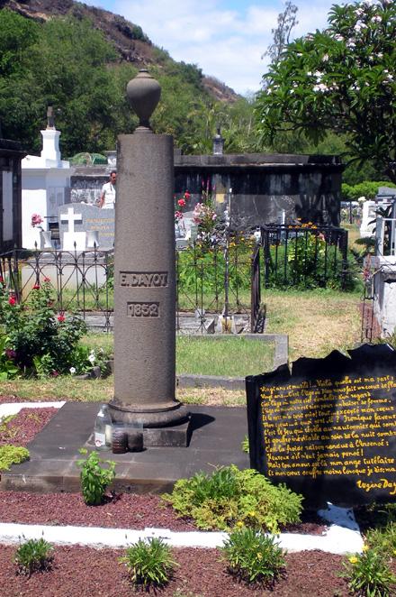 Eugène Dayot, sa tombe au cimetière marin de Saint-Paul