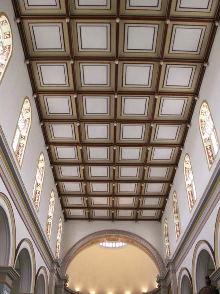 Plafond à caissons de la Cathédrale de Saint-Denis