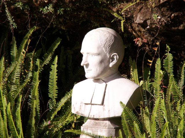 Buste : Frère Scubilion Plaine des Palmistes