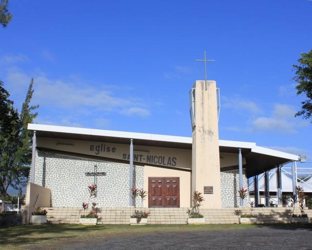 Nouvelle église Saint-Nicolas de Champ Borne.