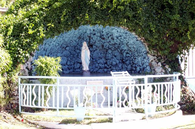 Oratoire à La Vierge église notre Dame de La Délivrance