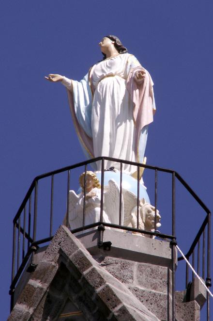 Vierge au sommet de Notre Dame de La Délivrance