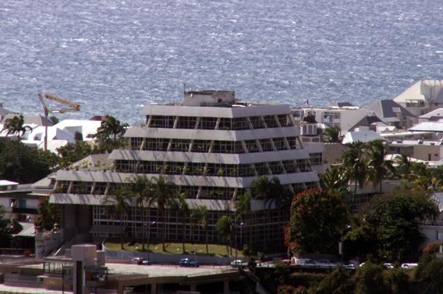 Vue nouvel hôtel de ville de Saint-Denis