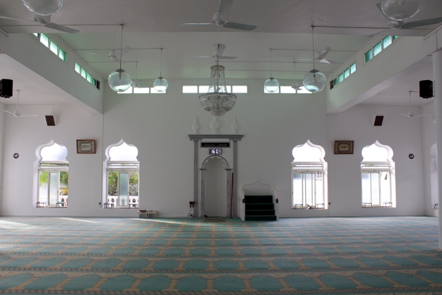 Mosquée Noor al Islam. Salle de prière.
