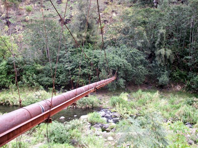 Canalisation de la digue quartier la Rivière à Saint-Denis