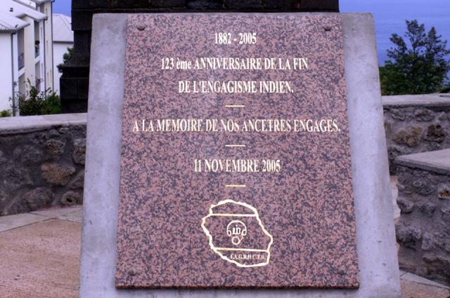 Plaque commémorative. Cheminée du Portail Piton Saint-Leu La Réunion