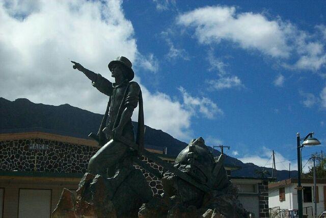 Cilaos monument aux morts