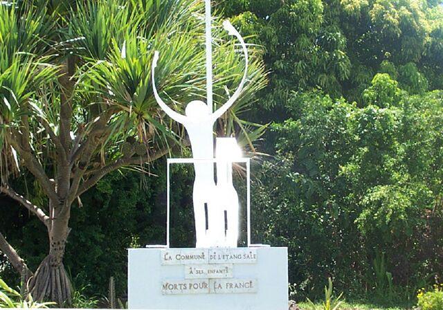 Etang-Sale monument aux morts