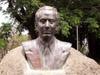 Statue Pierre Sémard ville du Port île de La Réunion