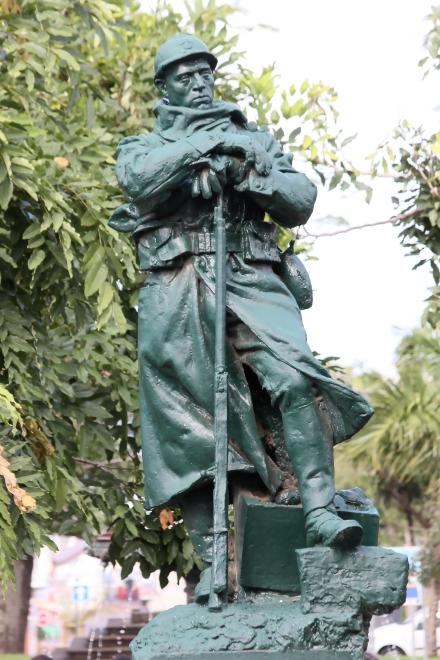 Saint-Pierre monument aux morts
