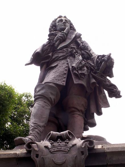 Statue Mahé de La Bourdonnais Saint-Denis La Réunion