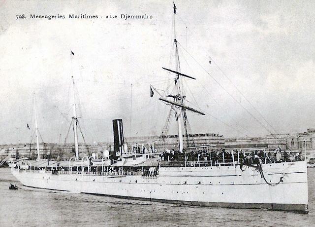Paquebot Djemnah ( ou Djemmah ) , des Messageries Maritimes.