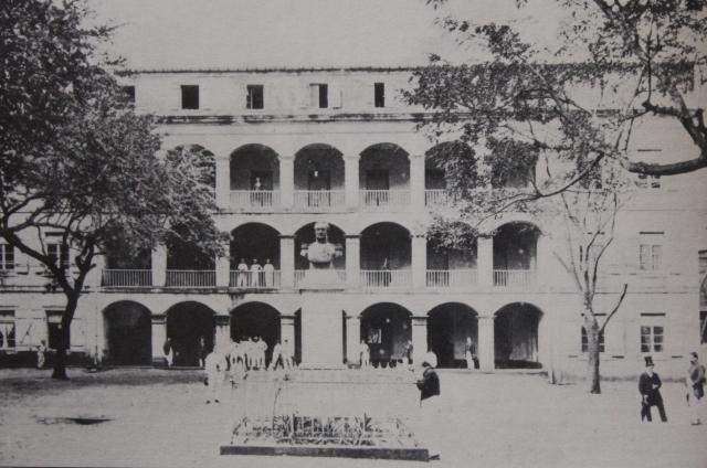 Lycée Impérial de Saint-Denis La Réunion.