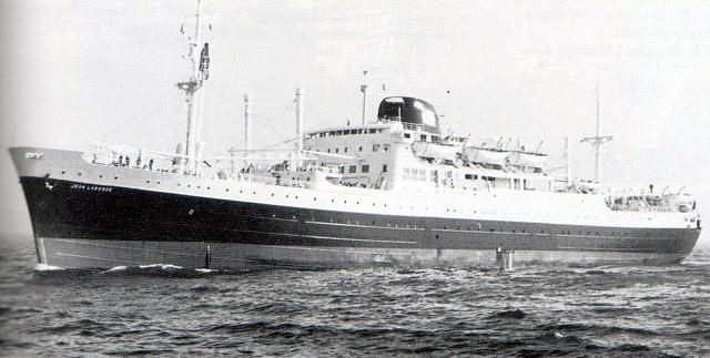 Paquebot Jean Laborde de la Compagnie des messageries maritimes assure la ligne de l'Océan Indien
