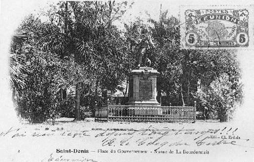 Statue Mahé de La Bourdonnais place du gouvernement Saint-Denis La Réunion