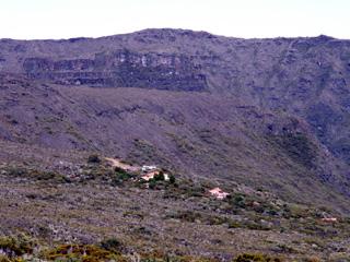 Gite du Volcan, vue sur le sentier du Piton Partage.