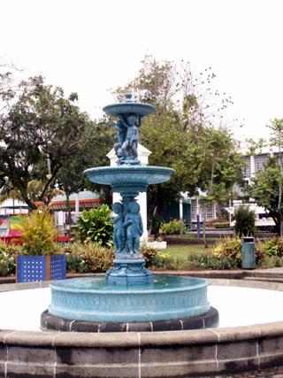 Fontaine place de l'église Fondeur : Ducel