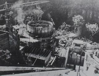 Construction usine hydro électrique de Takamaka