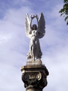 Monument aux morts Saint-Denis La Réunion.