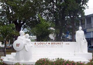 Monument Louis Brunet à Saint-Benoît