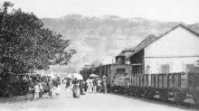 Train arrêté place du gouvernement Saint-Denis La Réunion.