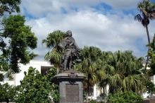 Statue Mahé de La Bourdonnais Saint-Denis de La Réunion.