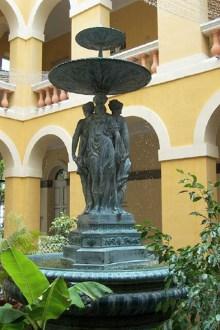 Fontaine Hôtel de Ville de Saint-Denis de La Réunion.