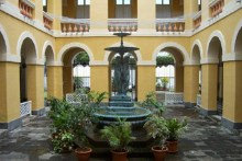 Cour intérieur Hôtel de Ville de Saint-Denis de La Réunion.